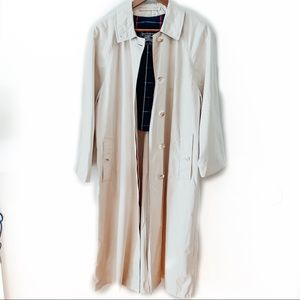 Burberry London Cream Button Down Trench Coat